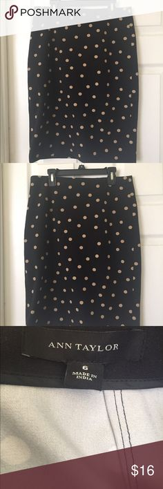 Ann Taylor pencil skirt size 6 Ann Taylor pencil skirt. Black with tan dots Ann Taylor Skirts Pencil