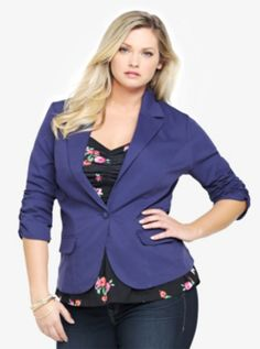ca15285f1ee0d Twill Blazer. I love the color! Curvy Women Outfits