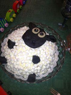 "Anhalt Annika: Spiggen 3 år. Eller: ""Vad tusan hände?"" Shaun The Sheep, Fika, Snacks, Birthday Cakes, Desserts, Inspiration, Ideas, Sweet Recipes, Tailgate Desserts"