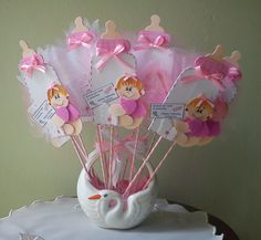 Great for a baby girl Baby Shower Deco, Fiesta Baby Shower, Baby Shower Parties, Recuerdos Baby Shower Niña, Baby Shower Images, Baby Table, Baby Baskets, Baby Shawer, Kids Party Decorations