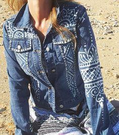 reMused up cycled denim jacket with hand painted Hamsa design – 2019 - Denim Diy Painted Denim Jacket, Painted Jeans, Painted Clothes, Hand Painted, Hamsa Design, Outfits Kawaii, Denim Kunst, Embellished Jeans, Blue Jean Jacket