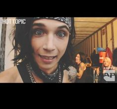 Andy looks so adorable!!