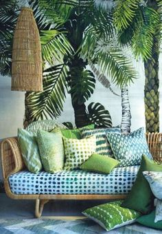 Tropical pattern, decorative exotic fruits, cactus and green plants galore: 20 photos that illustrate the Urban Jungle style in decoration. Interior Tropical, Tropical Home Decor, Tropical Design, Tropical Style, Tropical Houses, Motif Tropical, Tropical Furniture, Tropical Colors, Hawaiian Home Decor
