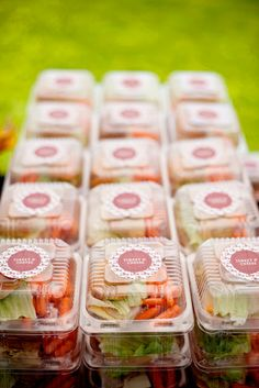 Little boxes with sandwiches and veggies. So cute!