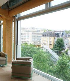 Mobile Fassade: Offene Lounge im neuen Tamedia Verlagshaus in Zürich. www.loschwand.de