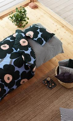Marimekko - so lovely design. Marimekko Bedding, Scandinavian Interior, New Room, Home Textile, Bunt, Designer, Sweet Home, New Homes, Textiles