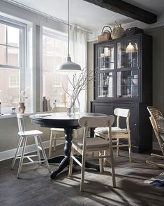 Sustainable city life with a small but growing family - IKEA Extendable Kitchen Table, Round Dining Table, Ikea Interior, Home Interior, Small Space Living, Small Spaces, Catalogue Ikea, Under The Table, Deco Design