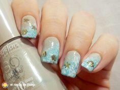 Very pretty beach style nails !