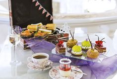 A taste of London culture & food! DAy tour : Royal Mews with Changing of the Guard AND Afternoon Tea. Piccalilli, British Traditions, Vanilla Custard, Clotted Cream, Chocolate Glaze, Saint James, Great British, Lemon Lime, Smoked Salmon