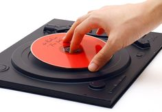 Reminiscent of the old record player, a spot is reserved on the cover for your favorite CD.
