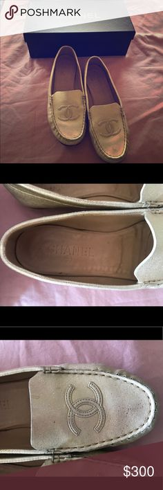 💯 authentic CHANEL gold flats 37 1/2 Very pretty and chic !! Used in perfect condition👌🏽 size 37 1/2 .. I bought it myself from the channel boutique ♥️💜♥️ CHANEL Shoes Flats & Loafers