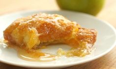 This fantastic Fall treat is so easy to make and pairs nicely with your favorite ice cream. I love the warm soft apple flavor. See just how easy it is to make in the video below: Follow us on Pinterest >> TipHero Ingredients: 2 (8 oz) cans...