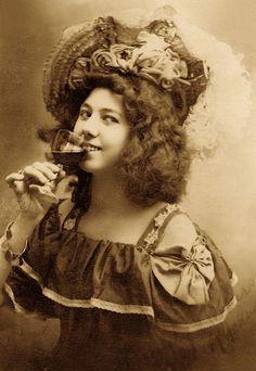 "Miss Kate Rockwell ""Klondike Kate"" ~ 1900 by Matthews, James Skitt, Major Old West Photos, Saloon Girls, American Frontier, Cowboys And Indians, Le Far West, Vintage Girls, Vintage Stuff, Women In History, Wild West"