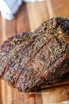 Perfect Sirloin Tip Roast - Spend With Pennies - Got the meats! - We love making this sirloin tip roast recipe in the oven for Sunday family dinners. It is an easy oven beef roast recipe that couldn't be juicier! Top Sirloin Roast Recipe, Recipe For Roast Turkey Breast, Oven Roast Beef, Sirloin Tip Steak, Sirloin Steak Recipes, Roast Beef Recipes, Roast In The Oven, Crockpot Beef Roast, Roast Beef Marinade