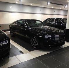 Pinterest: @claudiagabg My Dream Car, Dream Cars, Rr Wraith, Maybach Car, New Ferrari, Rolls Royce Cars, Bugatti Cars, Car Goals, Best Luxury Cars