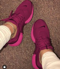 Nike Air Shoes, Nike Tennis Shoes, Cute Sneakers, Sneakers Nike, Aesthetic Shoes, Fresh Shoes, Hype Shoes, Sneaker Heels, Pretty Shoes
