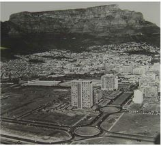 Vintage Historical Cape Town photos - old pictures of Cape Town Old Pictures, Old Photos, Out Of Africa, Most Beautiful Cities, African History, Vintage Photographs, Cape Town, South Africa, City Photo