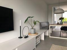 Ikea Bank, Diner Table, Interior Styling, Interior Design, Living Room Tv, Room Inspiration, Living Room Designs, Decoration, Bedroom Decor