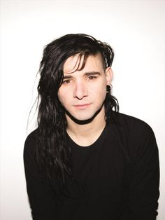 I'm listening to Skrillex, ♫ on iHeartRadio