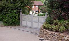 Two tone driveway gates