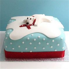Polar Bear Christmas Cake by gilly. Christmas Cake Designs, Christmas Cake Decorations, Holiday Cakes, Christmas Desserts, Christmas Treats, Christmas Baking, Christmas Cookies, Merry Christmas, Cake Icing