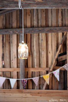 ideas for country wedding eilen tein: meidän DIY häät [8/10: purkkivalaisin]