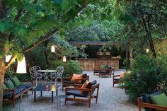 En la ciudad hay muchos patios, terrazas y jardines donde disfrutar buena comida en paz. Esta es nuestra selección de 10 rincones
