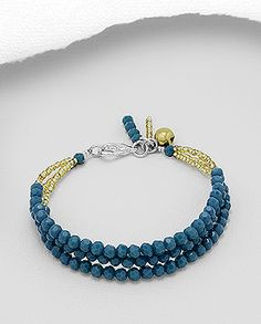 bracelet beaded with crystal glass and seed beads