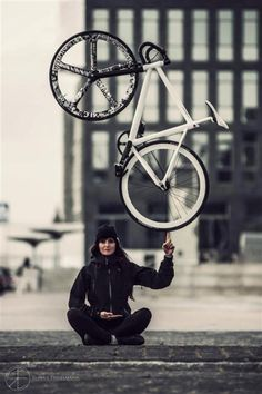 Ronny Engelmann || Optimus International |...just an awesome pic! Fixed gear frenzie