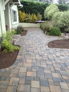 Cool Paver Patio Pattern Ideas For Your Garden 35