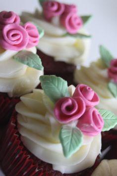 12 edible fondant rose bouquet rosettes cupcake by PastelFiesta, $17.50
