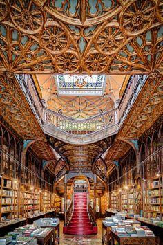 Grand Library, Dream Library, Library Architecture, Architecture Details, Livraria Lello Porto, Portugal Vacation, Old Libraries, Bookstores, World Library