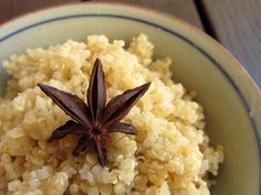 Quinoa Breakfast is a delicious food from Peru. Learn to cook Quinoa Breakfast and enjoy traditional food recipes from Peru. Peruvian Desserts, Peruvian Dishes, Peruvian Recipes, Quinoa Breakfast, Breakfast Recipes, Star Anise, How To Cook Quinoa, Learn To Cook, Favorite Recipes