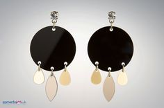 ORECCHINO ORIENT Drops of colored plexiglass for these cute earrings reminiscent of the east and its colors.  Costo 30,00