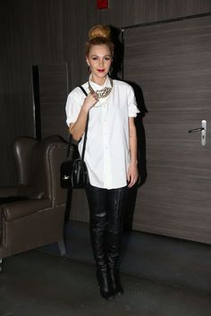 Τάμτα: Με μπότα - παντελόνι σε ένα ανατρεπτικό look! - JoyTV Punk, Joy, My Style, Clothes, Shopping, Fashion, Outfits, Moda, Clothing