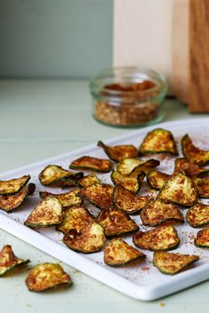 Low-Carb Zucchini Nacho Chips - Healthy and Crunchy - Diet Doctor Zucchini Chips, Veggie Chips, Nacho Chips, Chips And Salsa, Chip Alternative, Low Carb Recipes, Vegan Recipes, Ketogenic Recipes, Free Recipes