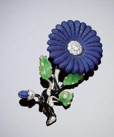 Cartier New York Lapis Lazuli, Jadeite, and Diamond Floral Brooch ca. Cartier Jewelry, Antique Jewelry, Vintage Jewelry, Art Deco Jewelry, Fine Jewelry, Jewelry Design, Jewellery Box, Jewellery Shops, Jewelry Ideas