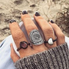 ZepJewelry leading luxury magazine featuring the top latest jewelry trends. Trendy necklaces, rings, pendants and earrings. Cute Jewelry, Boho Jewelry, Jewelery, Jewelry Ideas, Hippie Chic, Hippie Style, Mode Hipster, Indie And Harper, Diamond Are A Girls Best Friend