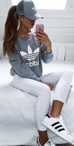 Sweatshirt Adidas Outfit Jeans New Ideas Style Outfits, Latest Outfits, Jean Outfits, Sport Outfits, Winter Outfits, Casual Outfits, Summer Outfits, Cute Outfits, Fashion Outfits