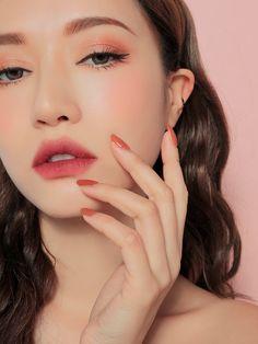 Hair and beauty – makeup tips Eyeshadow Makeup, Lip Makeup, Beauty Makeup, Prom Makeup, Makeup Brushes, Eyeshadow Tips, Bridal Makeup, Wedding Makeup, Beauty Tips