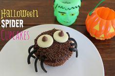 Halloween Spider Cupcakes via @MrsOrganised #saygdayparty