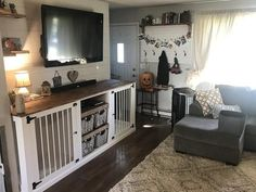 Most recent Pic Entertainment center / twin kennel - Room - Suggestions The usage of a dog kennel has long been a major stage of argument in the dog's attitude and also s Diy Baby Gate, Baby Gates, Double Dog Crate, Crate Tv Stand, Dog Crate Furniture, Girls Furniture, Steel Furniture, Furniture Stores, Furniture Ideas
