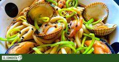 Ramen frío de berberechos y mejillones | Recetas El Comidista EL PAÍS Pasta Al Curry, Salsa Picante, Fish Recipes, Ramen, Healthy, Cockles, Clams, Rice Vinegar, Beverage