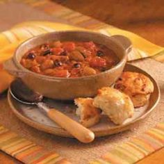 Cowboy Chili Recipe -Sweet and chunky describe this hearty chili that kids will love. For the adults, add a dash or two of hot sauce and warm up your winter, and your taste buds. Honey Recipes, Chili Recipes, Dairy Free Recipes, Pork Recipes, Gluten Free, Cowboy Chili Recipe, Chili Recipe Taste Of Home, Honey Biscuit Recipe, Spicy Honey