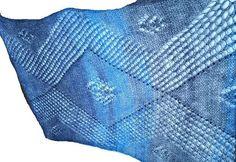 gefällts ?? #knitting #shawl #wool #knittersofinstagram #knitstagram #instaknit #handmade #yarnsale #yarnstagram #yarnstash #yarnlove #knitteroftheworld #knitting_inspiration  http://ow.ly/Ynx4d ^MS