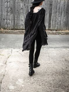 So, for my OOTD I took an XXL French Connection longsleeve that I bought for from a charity shop, and cut and sandpapered and craftknifed my way to something I will wear forevermore. Dark Fashion, Gothic Fashion, Street Fashion, Urban Outfits, Fashion Outfits, Fashion Ideas, Mode Renaissance, Modern Goth, Shrug For Dresses