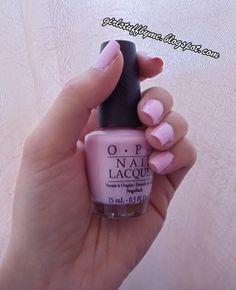 Verniz da OPI cor-de-rosa