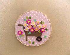 Etsy Embroidery, Embroidery Hoop Art, Felt Decorations, Handmade Decorations, Felt Diy, Felt Crafts, October Crafts, Crafts For Kids, Arts And Crafts