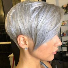 kurze Frisuren - 40 + neue Pixie Haircut-Ideen in 2018 - 2019 - . Pixie Haircut Styles, Pixie Bob Hairstyles, Pixie Bob Haircut, Short Pixie Haircuts, Bob Haircuts, Hairstyles Haircuts, Short Grey Hair, Short Hair Cuts, Short Hair Styles