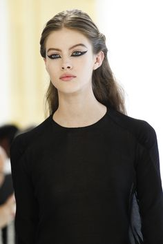 Christian Dior Fall 2016 Couture Fashion Show Runway Makeup, Dior Makeup, Beauty Makeup, Hair Beauty, Makeup Geek, Eye Makeup, Couture Makeup, Dior Haute Couture, Couture Fashion